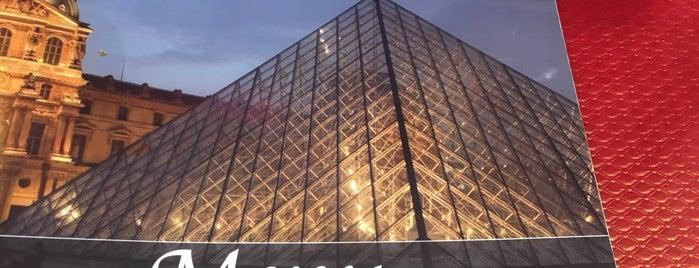Resto Louvre is one of Tempat yang Disukai Yo.