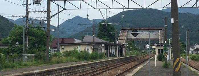 白沢駅 is one of JR 키타토호쿠지방역 (JR 北東北地方の駅).