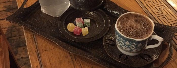 Cafe Közz is one of Gespeicherte Orte von Harika Yavuz TaSaRiM.