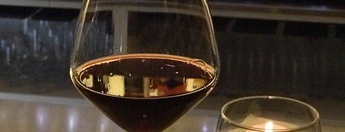 Li Veli Winery & Bistro is one of สถานที่ที่ Дина ถูกใจ.