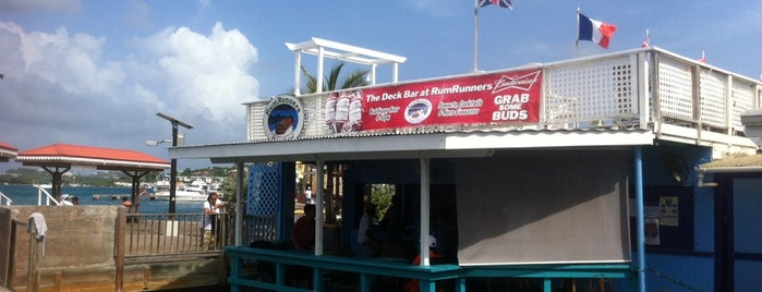 Deck Bar is one of Mary'ın Kaydettiği Mekanlar.