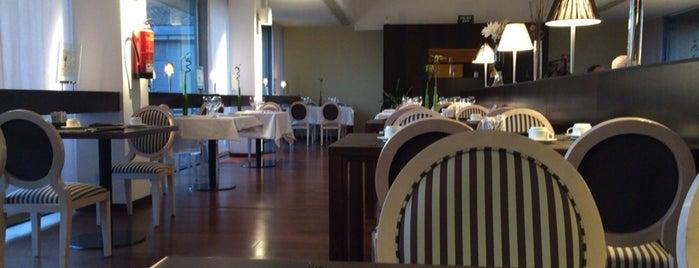 Restaurante Alcazaba is one of Locais salvos de Jordi.