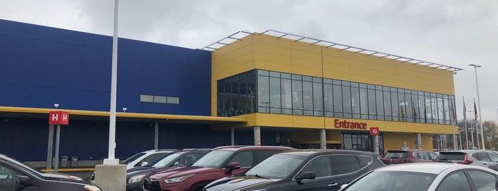 IKEA is one of Locais curtidos por John.
