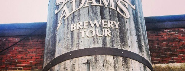 Samuel Adams Brewery is one of Lugares guardados de Louis.