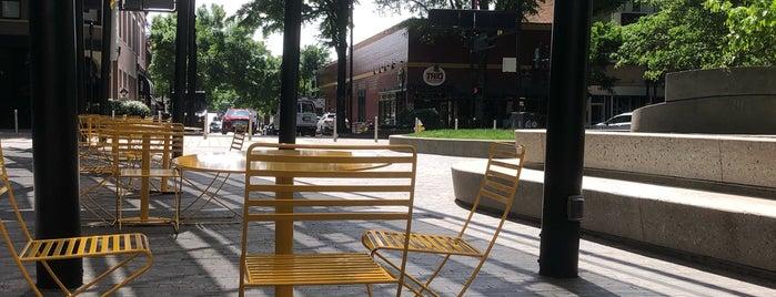 Downtown Greenville is one of Joshua'nın Kaydettiği Mekanlar.