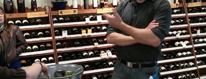 Tully's Beer & Wine is one of Michael 님이 좋아한 장소.