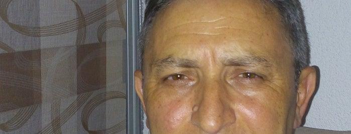Beymen Erkek Kuaför'ü is one of Talipさんの保存済みスポット.