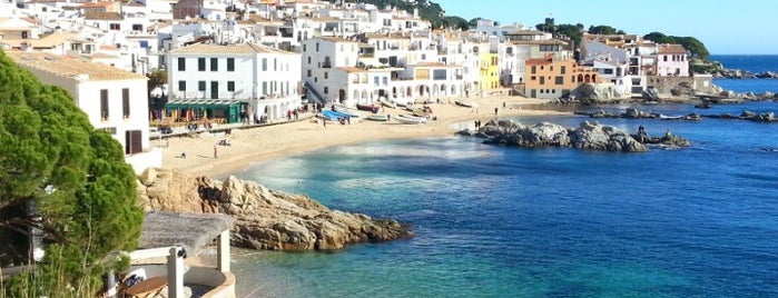 Calella de Palafrugell is one of Lieux qui ont plu à Rafael.
