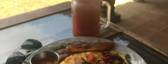 FRONTERA Artisan Food & Coffee is one of Lugares favoritos de Bernardo.