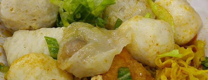 Song Kee Fishball Noodles 松记鱼丸面 is one of Orte, die Ian gefallen.