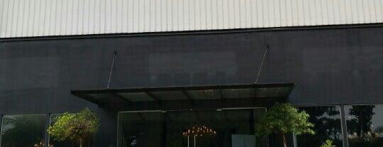 Taylor B. Fine Design Group is one of Tempat yang Disukai Ian.