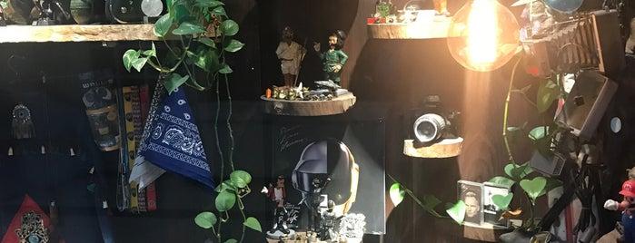 Maya Boutique | بوتیک مایا is one of Travelsbymaryさんの保存済みスポット.
