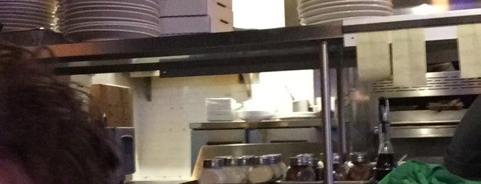 Viàle Pizza & Kitchen is one of Lieux qui ont plu à Erik.