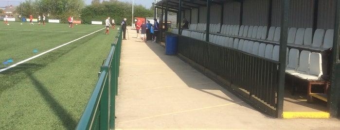 Yaxley Football Club is one of สถานที่ที่ Carl ถูกใจ.