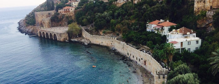 Kızıl Kule Plajı is one of Sibelさんの保存済みスポット.