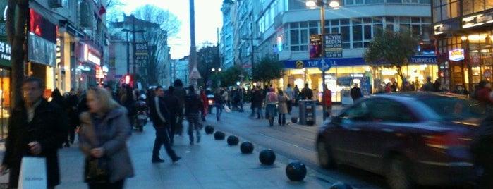 Kadıköy is one of İstanbul.