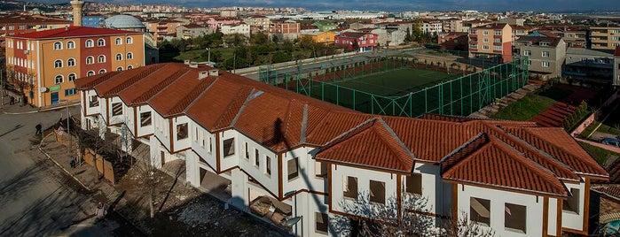 Hüseyin Vassaf Bilgi Evi ve Spor Merkezi is one of Bilgi Evleri ve Spor Merkezleri.