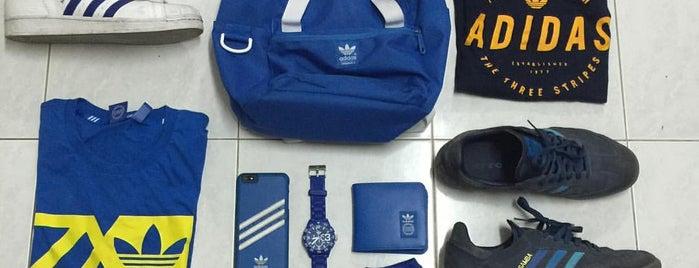 Adidas Originals is one of Locais curtidos por Shank.