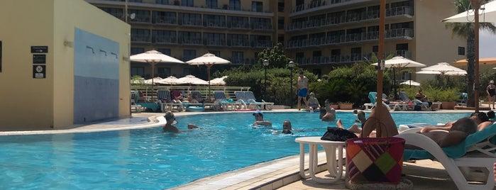 Pool - InterContinental Malta is one of Orte, die Tim gefallen.