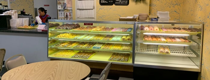 MJ's donuts is one of Tempat yang Disimpan Alex.