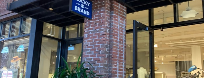 Lucky Brand is one of Disney Springs.