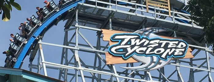 Twisted Cyclone is one of Orte, die David gefallen.