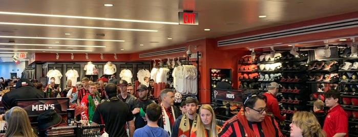 Team Store is one of Orte, die Chia gefallen.
