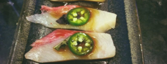 Toro Sushi Stone Grill & Bar is one of Locais curtidos por Vicky.