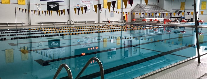Lakewood Highschool Pool is one of Ashleyさんのお気に入りスポット.