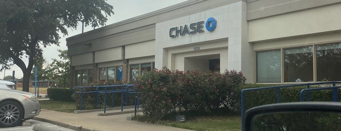 Chase Bank is one of Posti che sono piaciuti a KATIE.