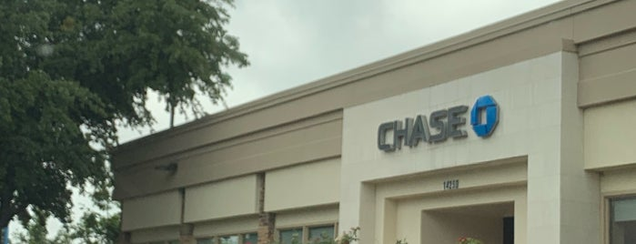 Chase Bank is one of KATIE 님이 좋아한 장소.