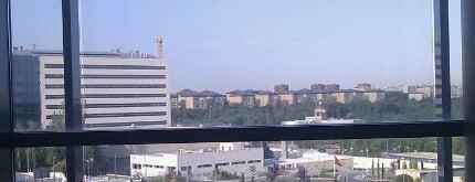 Hospital Universitario 12 de Octubre is one of Lugares favoritos de David.
