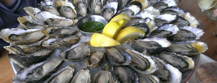 Hog Island Oyster Co. is one of Orte, die Alecia gefallen.