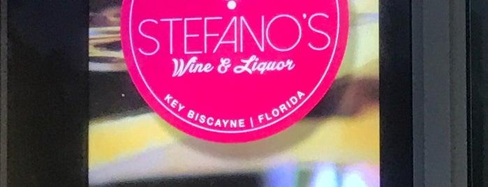 Stefano's Liquor store is one of Paola 님이 좋아한 장소.