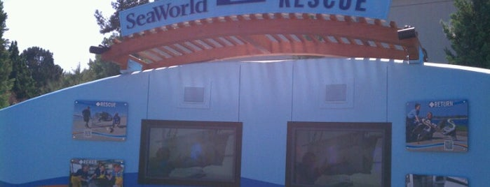 SeaWorld Rescue Wall is one of Locais curtidos por Maria.