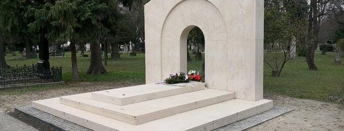 Ondrejský cintorín is one of Tempat yang Disukai Martin.