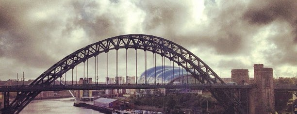 Tyne Bridge is one of Posti che sono piaciuti a Carl.