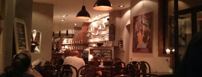 Café au lait - Coffee Food & Drinks is one of Maj-Brittさんのお気に入りスポット.