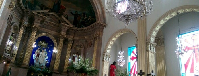 Iglesia Tres Aves Marias is one of สถานที่ที่ Lupis ถูกใจ.