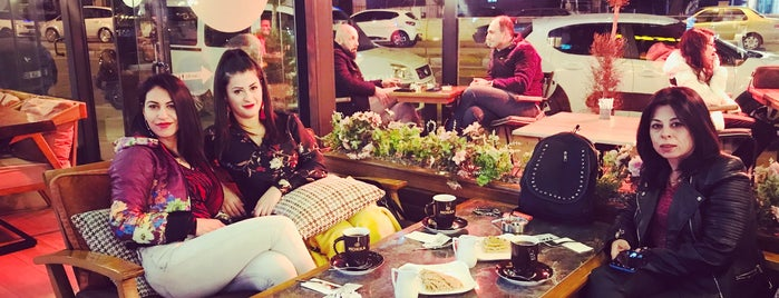 Cafe Mokka is one of Lieux qui ont plu à ✨💫GöZde💫✨.
