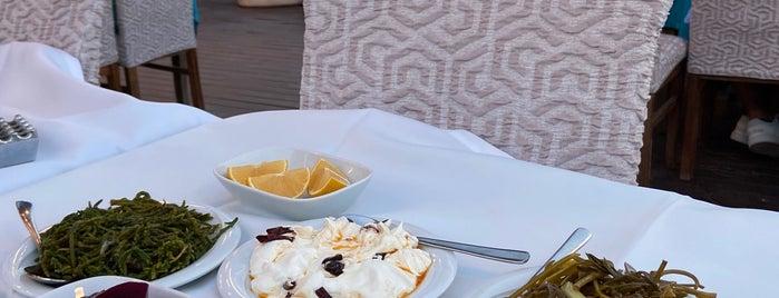 Pyrgos Restaurant is one of Hande'nin Beğendiği Mekanlar.