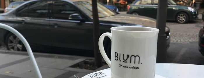 Blum Coffee House is one of Lugares guardados de Ibrahim.