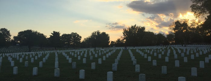 Nashville National Cemetery is one of Nashville.