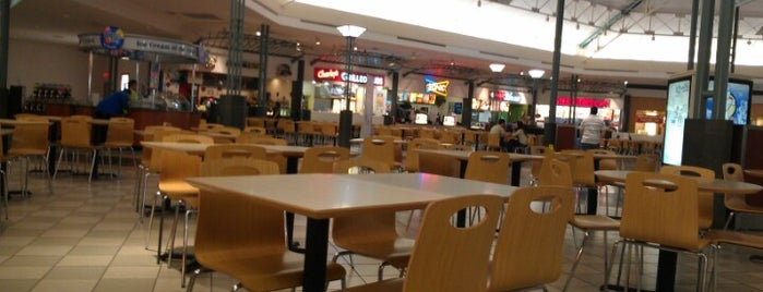 Woodlands Mall Food Court is one of Lieux qui ont plu à Scott.