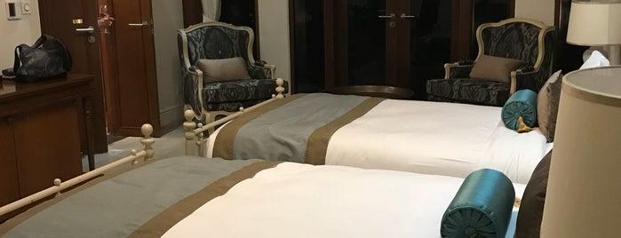 Maikhao Dream Villa Resort& Spa ,Phuket is one of สถานที่ที่บันทึกไว้ของ Natalya.