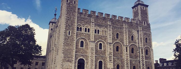 Torre di Londra is one of Posti che sono piaciuti a Lady.