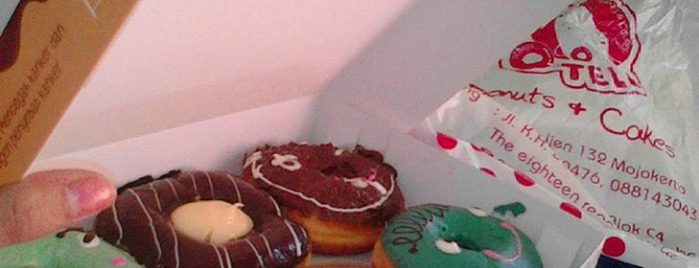 O-Telo Donuts, Cakes & Cookies is one of Tempat yang Disukai Lady.