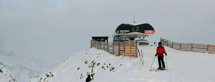 Rotadlkopf (3000m) is one of Stubaier Gletscher / Stubai Glacier.
