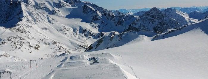 Schaufelnieder is one of Stubaier Gletscher / Stubai Glacier.