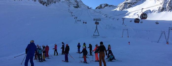 Eisgrat is one of Stubaier Gletscher / Stubai Glacier.